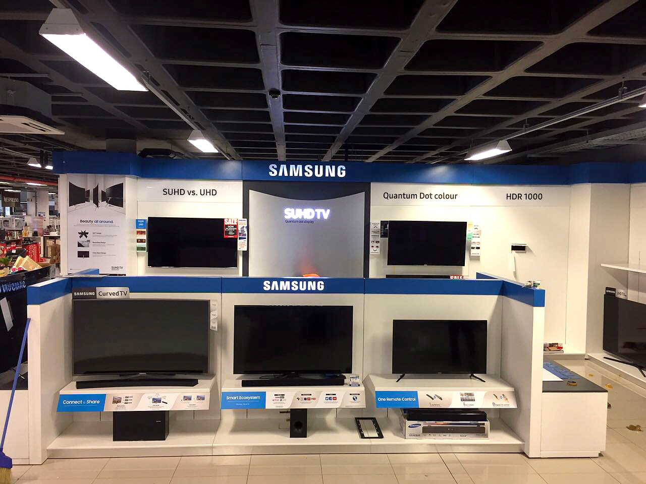 Shop Fitting - Samsung TVs