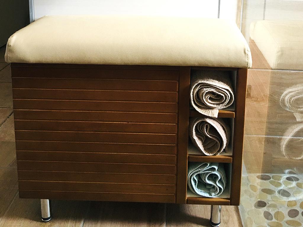 Design Furniture - Bathroom Seat & Towel Holder