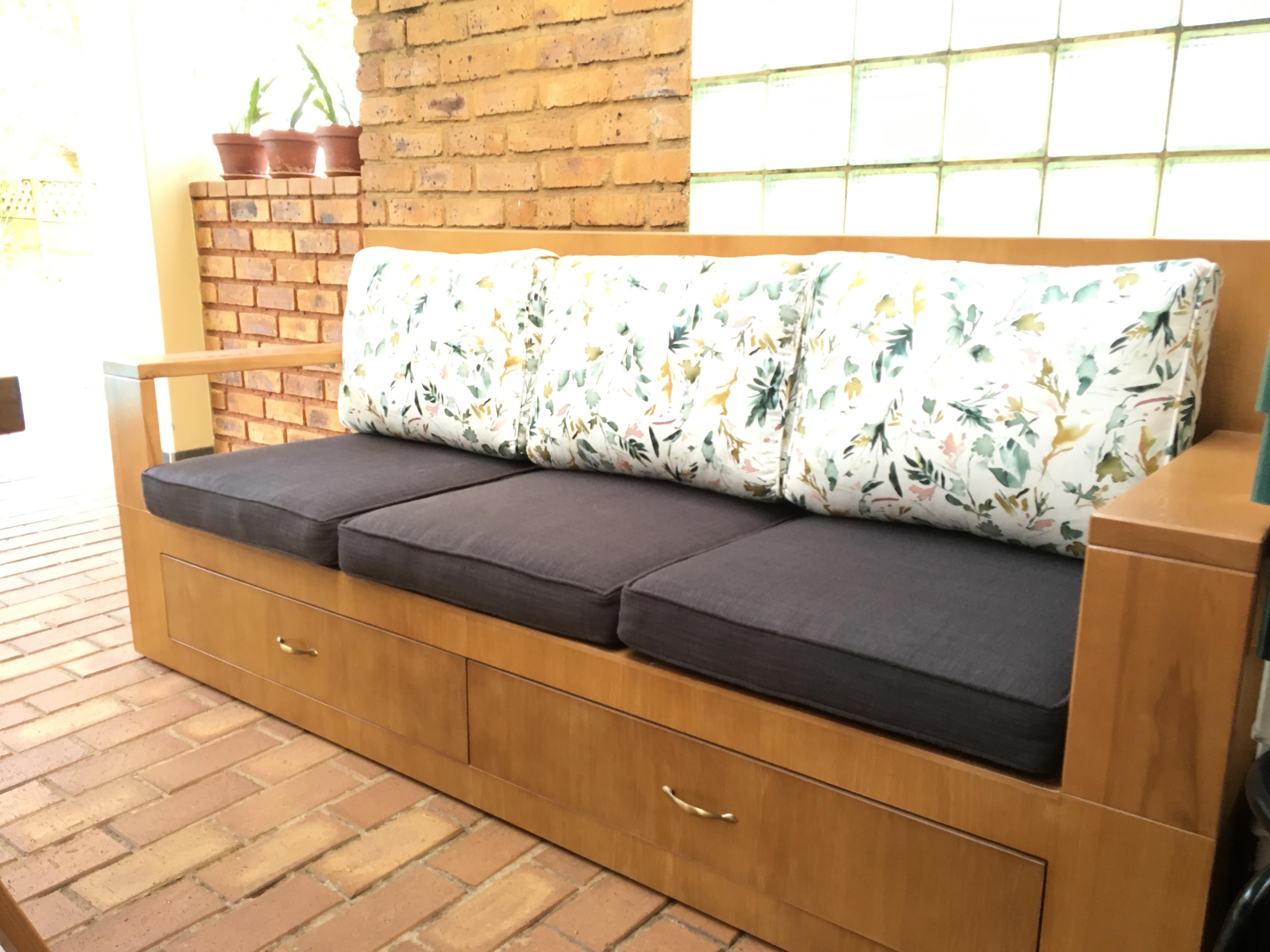 Design Furniture - Outdoor Couch & Storage