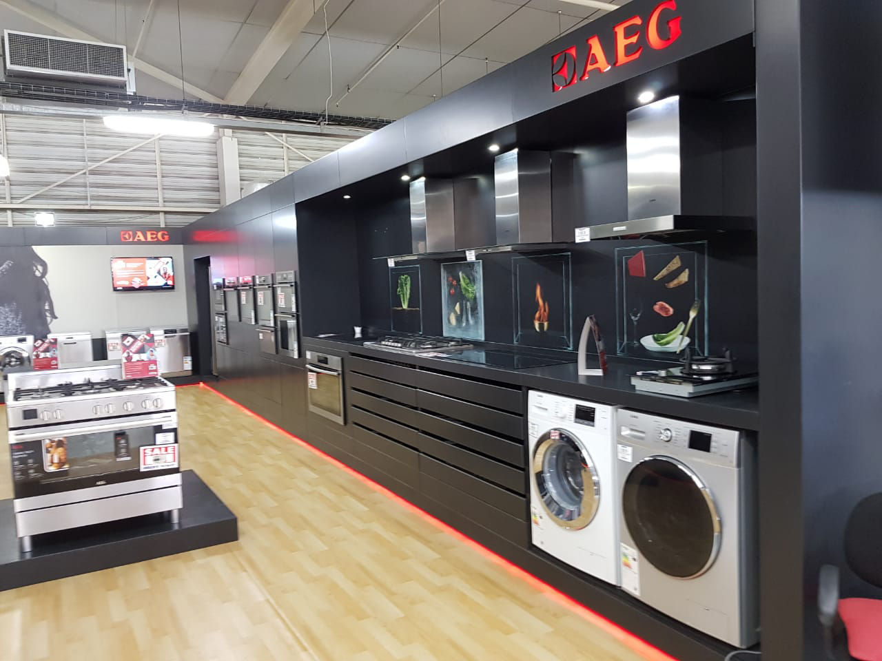 shop fitting aeg stand